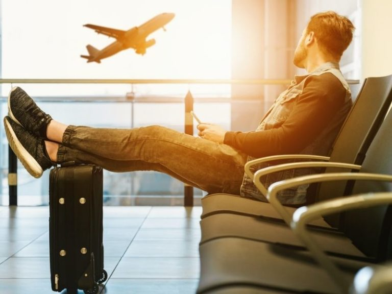 online travel agents, airport, travelling the world
